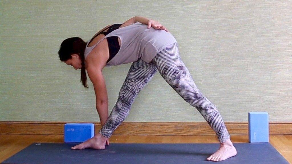 6 postures de base pour travailler le placement des hanches ... 1a8aa5f2c3c